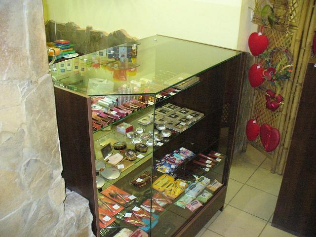 Мебель для дома и офиса, торговое оборудование