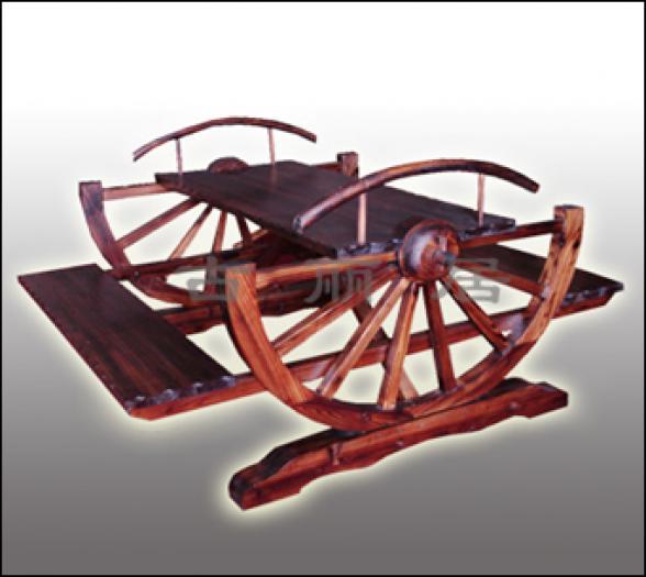 Мебель деревянная  для кафе, дачи, бани в этническом стиле
