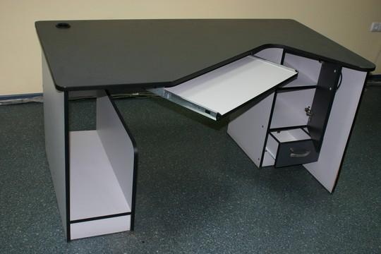 Продам столы компьютерные и офисные кресла Prestige