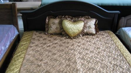 Спальни,кровати из массива дерева